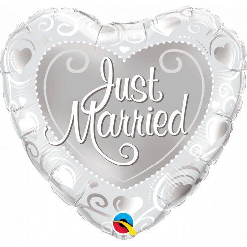 ESKUVOI-LEGGOMB-HELIUM-JUST MARRIED