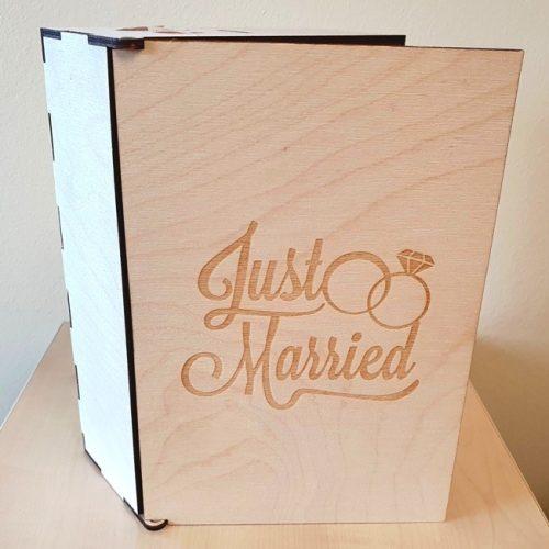 Esküvői doboz pezsgős és grappás poharakhoz