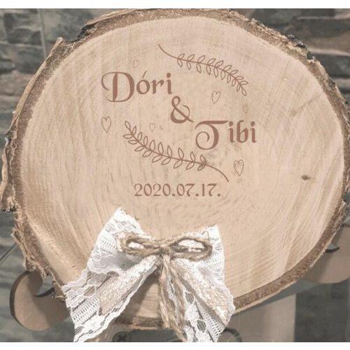 Esküvői Gyűrűtartó kicsi - nevekkel