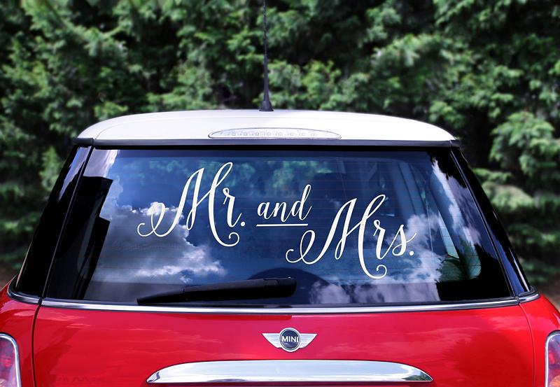 """Menyasszonyi autó díszítése DIY  """"csináld magad"""" mozgalom keretében"""